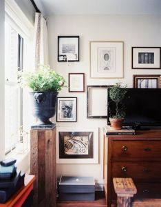 Room also reasons why we love art gallery wall tv walls and living rooms rh za pinterest