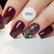 stunning burgundy nails design