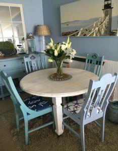House beach decor also cute dining area vintagebeachcottages rh pinterest