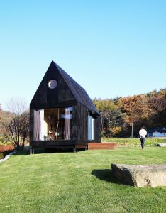 Slow town tiny house the plus partners dnc architects also rh pinterest