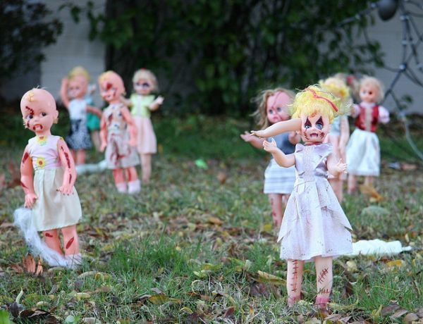DIY Scary Halloween Decorations Front Yard Decoration Ideas Zombie
