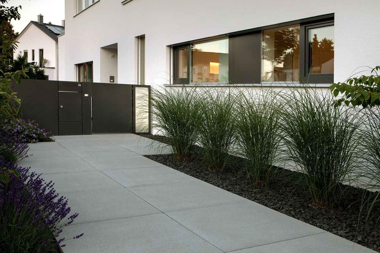 hauseingang modern gestalten nowaday garden. Black Bedroom Furniture Sets. Home Design Ideas