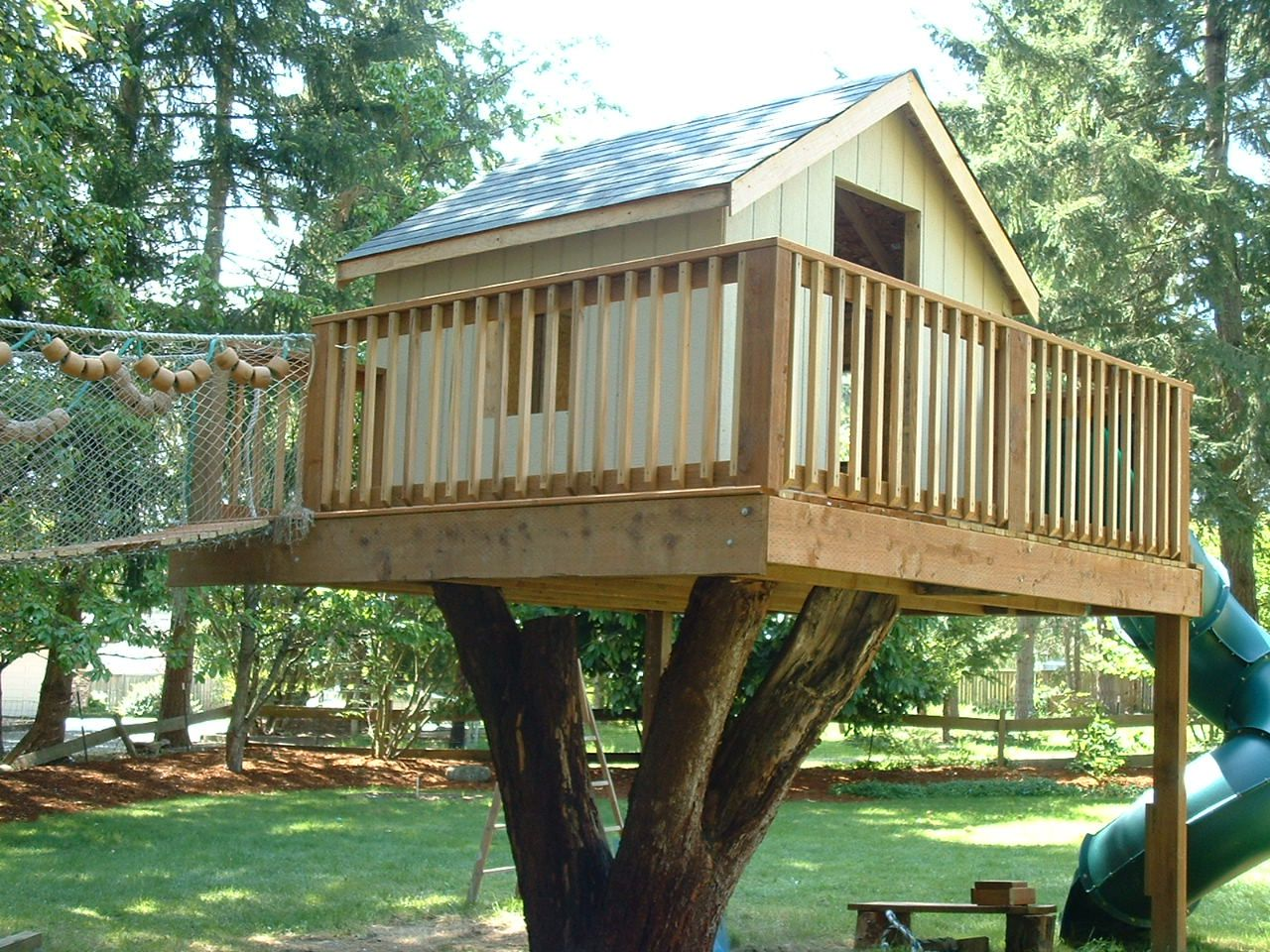 Tree House Ideas Pictures Of Tree Houses And Play Houses From