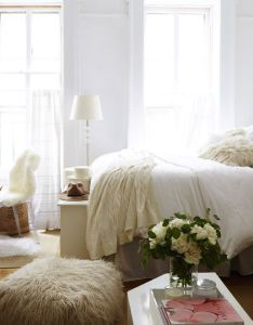 White helps open up  small space home also beautiful spaces and decor rh pinterest