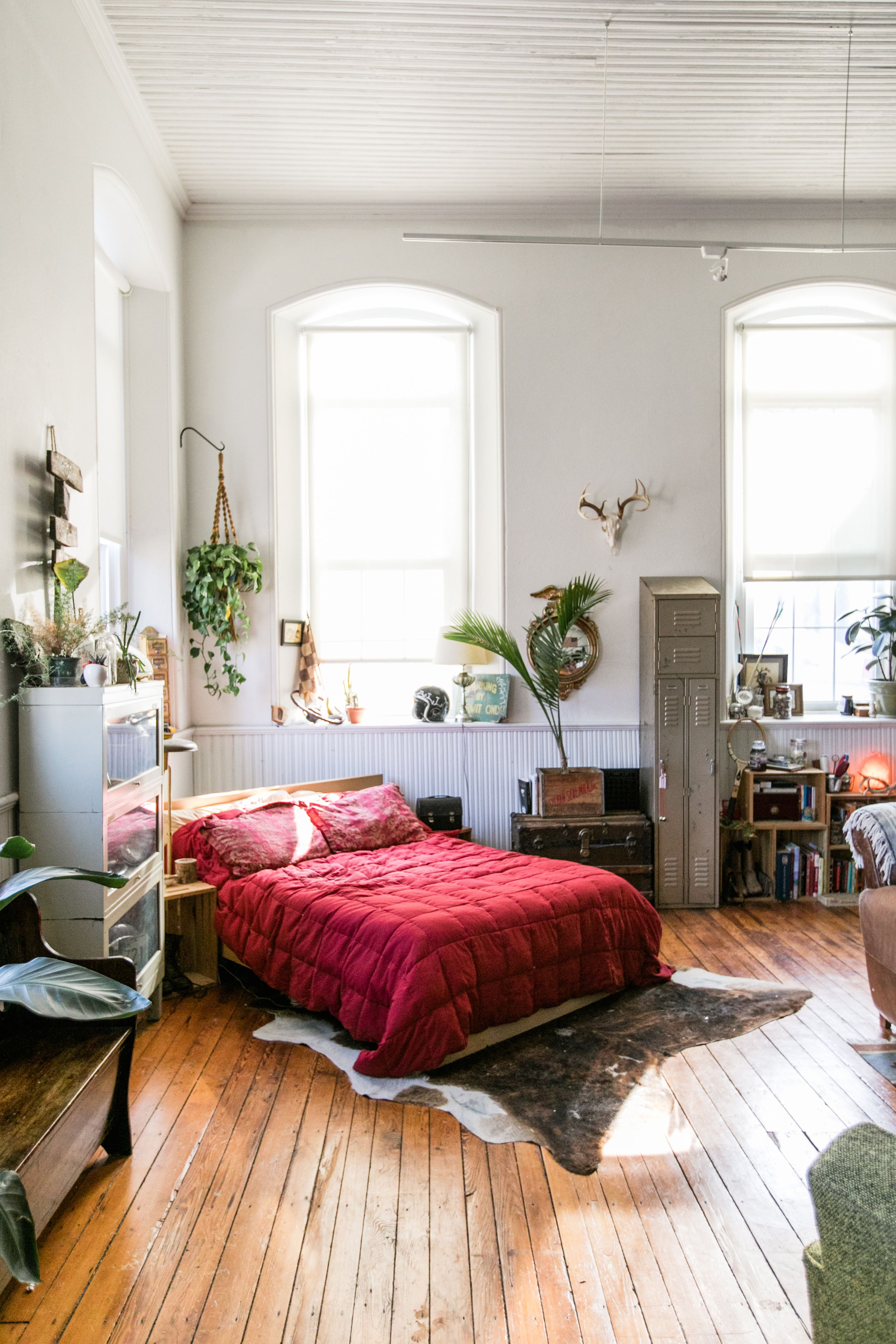 Bright, airy and beautifully organized 43 square meter apartment
