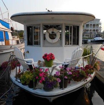 Best 25 Houseboat Decor Ideas On Pinterest Beach House Diy Decor Nautical Room Decor And