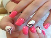 beautiful pink white nails design
