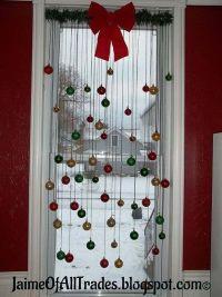 25+ Inspiring Last-Minute Christmas Windows Decorating ...