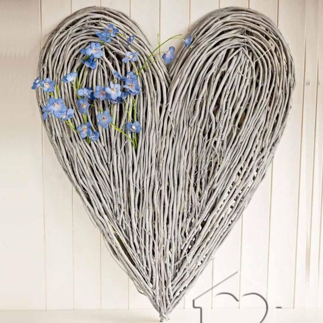 Extra Large Wicker Heart 47 00 Driftwood Art From Listers Interiors Heartsoak Bedroomlounge