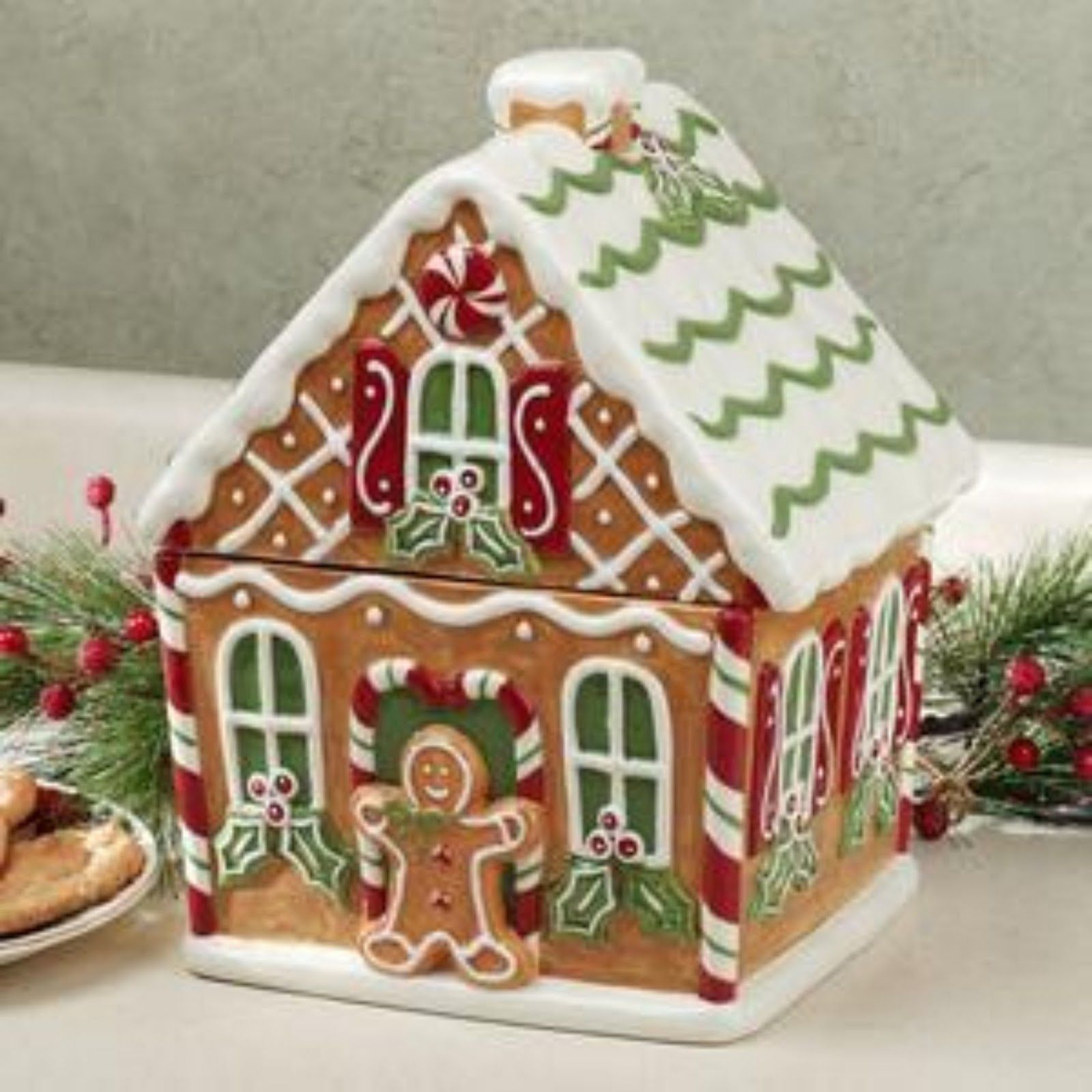 Best 25 Gingerbread House Pictures Ideas On Pinterest Pictures