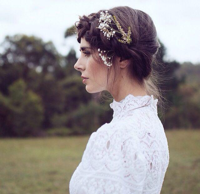 Blumenkranz Hippie Brautfrisur  Frisuren Haarschmuck