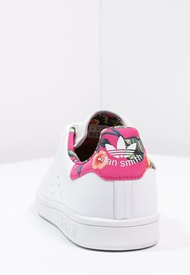 femme adidas originals stan smith baskets basses white ray pink blanc