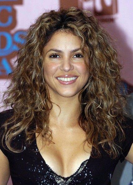 Shakira Long Curls  Shakira Shakira hair and Big hair