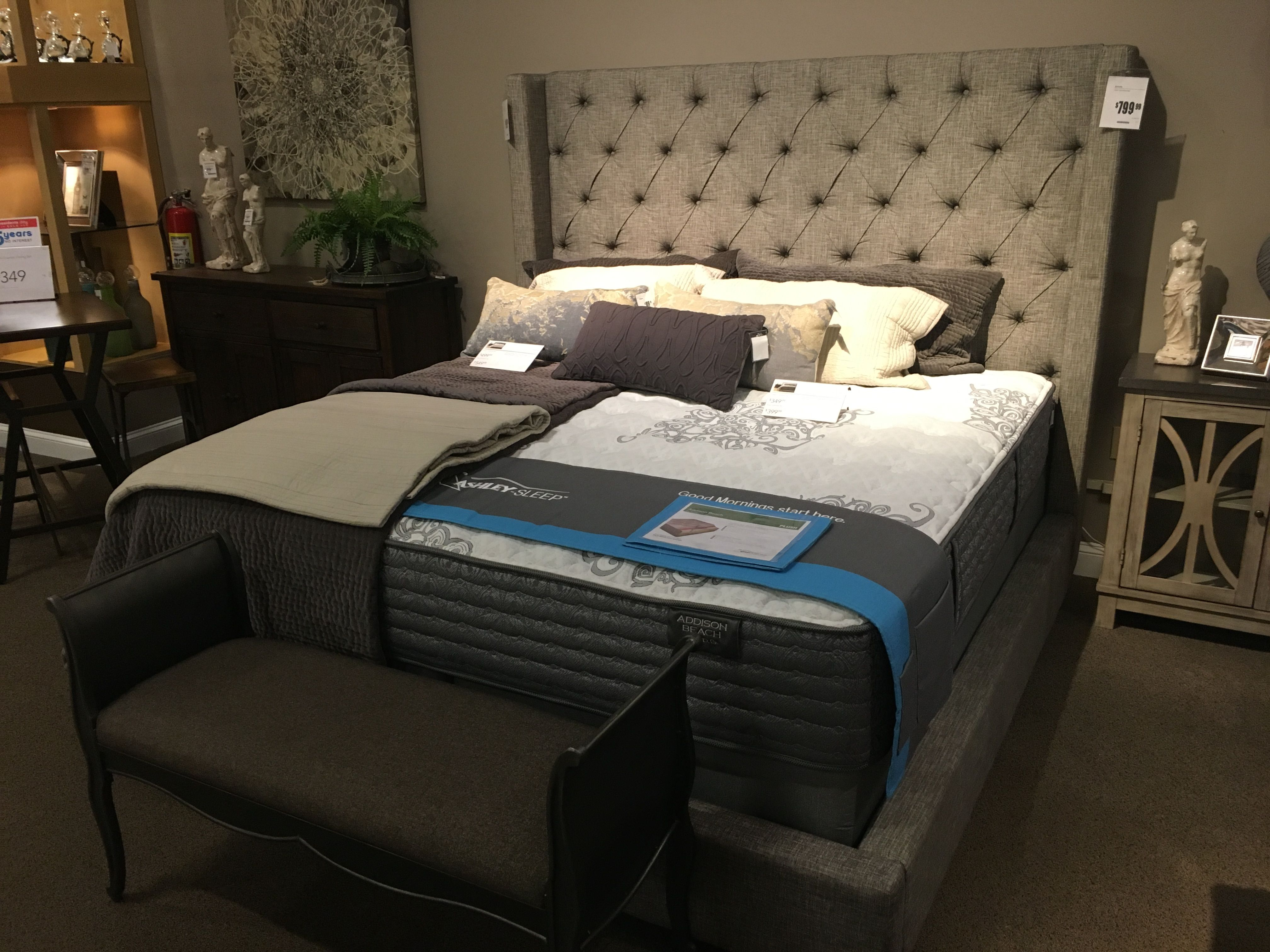 sofa king awesome t shirt como sofabord sorinella bed 67hx69w quot furniture ideas pinterest
