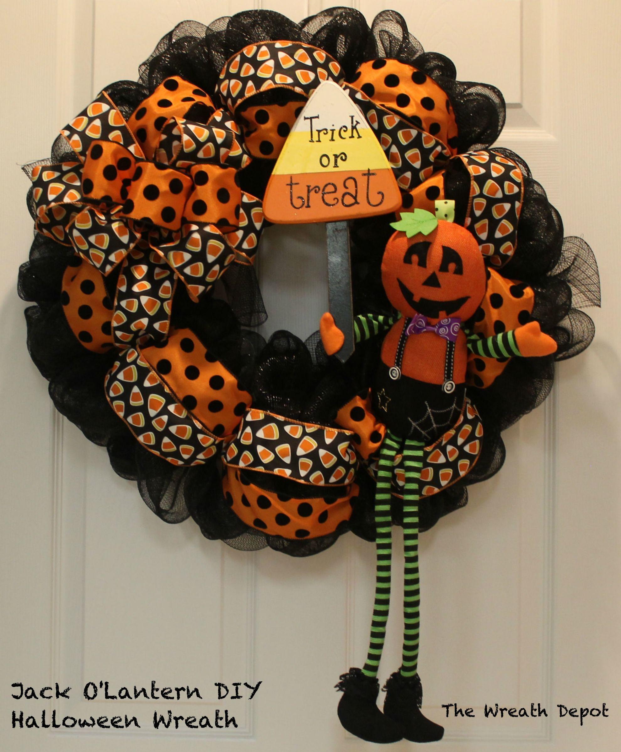DIY Mesh Waving Jack O'Lantern Halloween Wreath