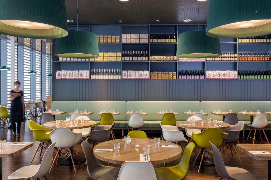 M&S Café Westfield Stratford London 2O11 D I S P L A Y