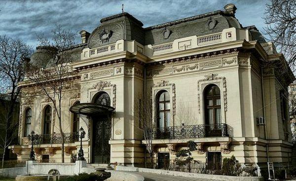 Neoclassical Architecture Architecture-odd-majestic