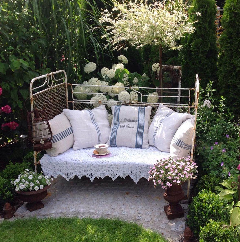 Altes Eisenbett Garten Deko Pinteres