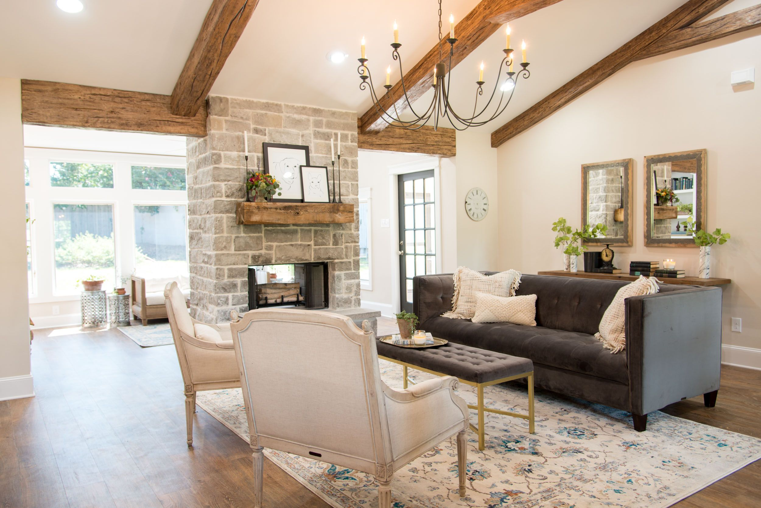 magnolia fixer upper farms living room season 4 episode 1