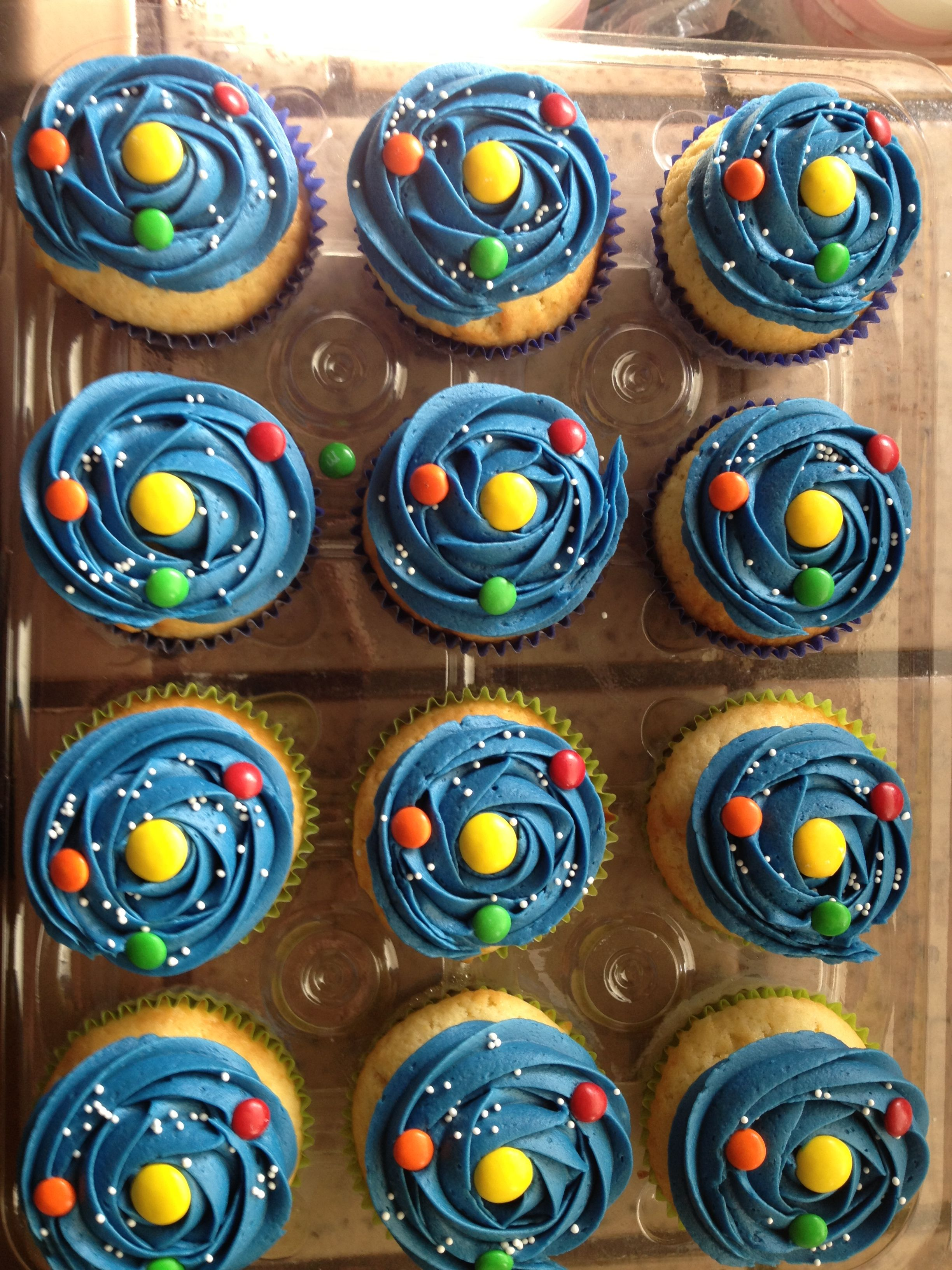 Vanilla Solar System Cupcakes