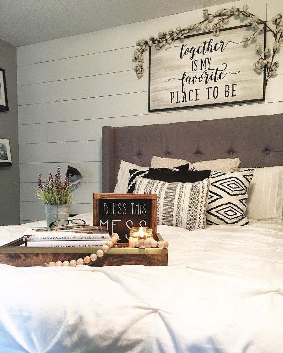 Classic and vintage farmhouse bedroom ideas also rh pinterest