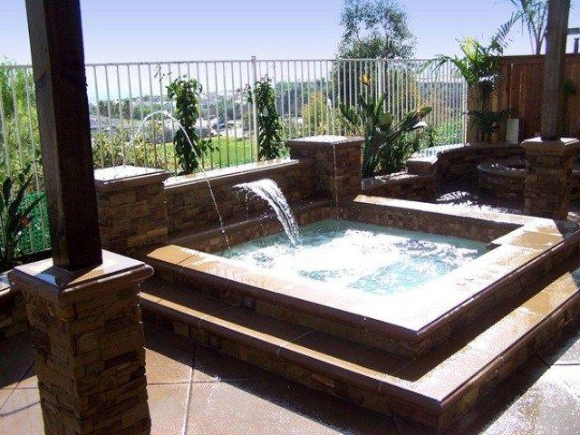 whirlpool garten einbauen wasserfall springbrunnen