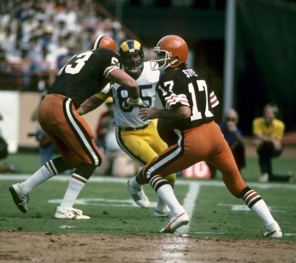 Brian Sipe did not come to the Cleveland Browns with much