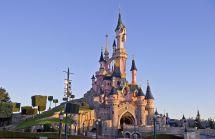 6 Reasons Visit Disneyland Paris Summer