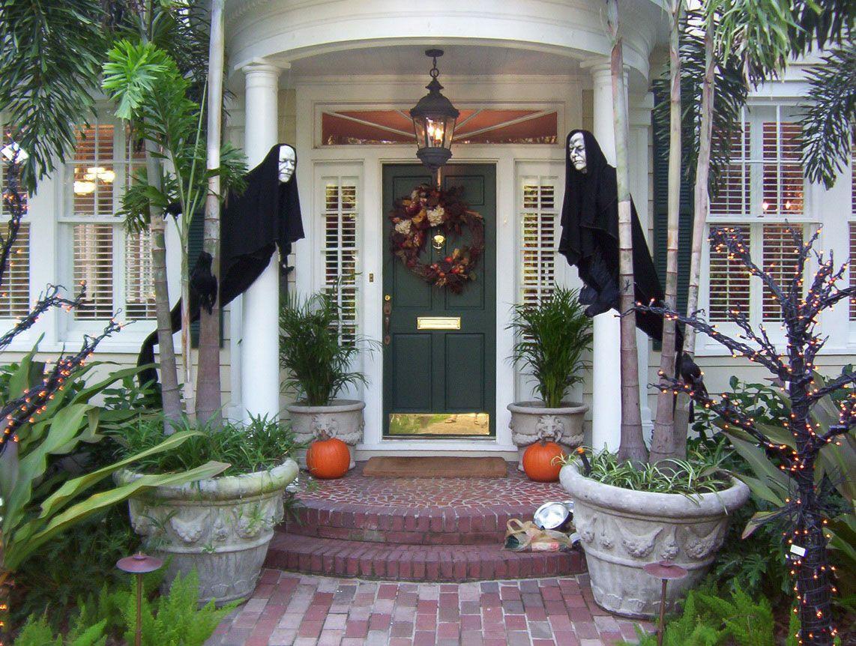 21 Creepy DIY Halloween Decor Ideas