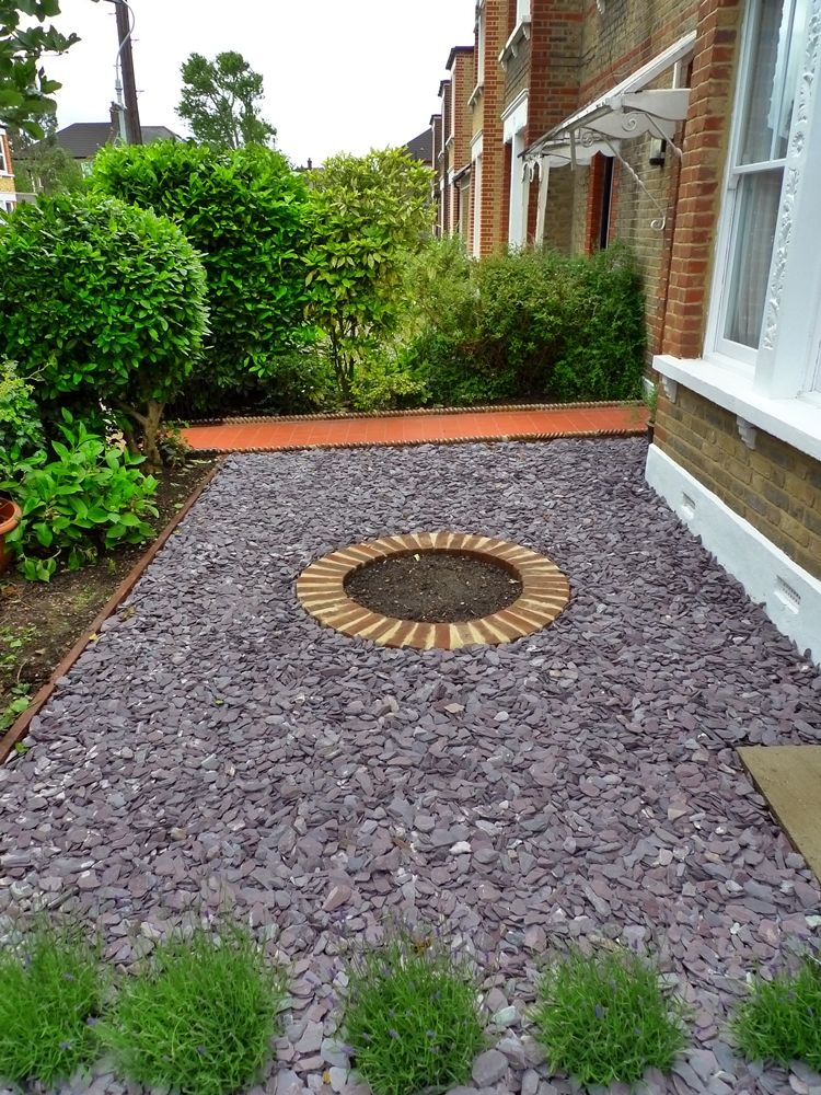 Formal Front Garden With Tile Path Slate Chippings And Lavender