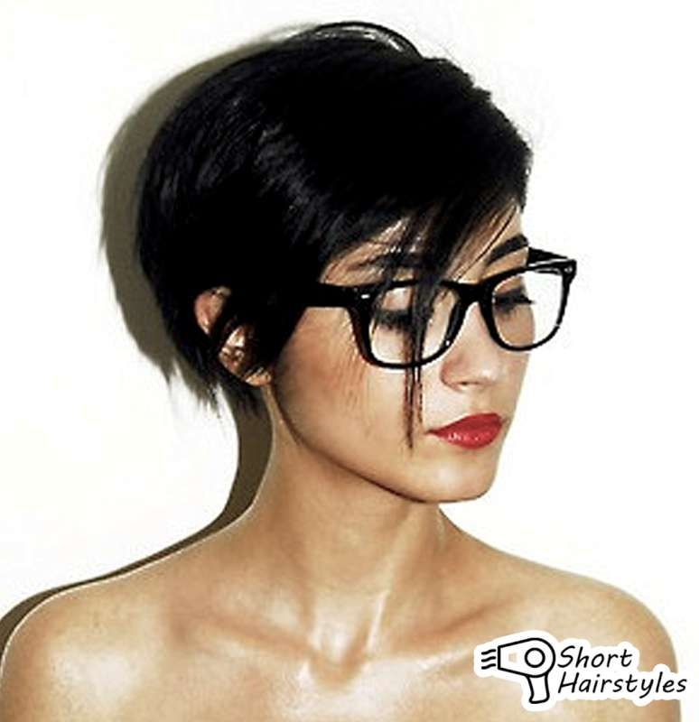 30 Superb Short Hairstyles For Women Over 40 For Women Glasses
