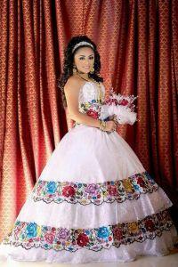 XV aos dress? Wedding dress! I want it! Que bonito es ...