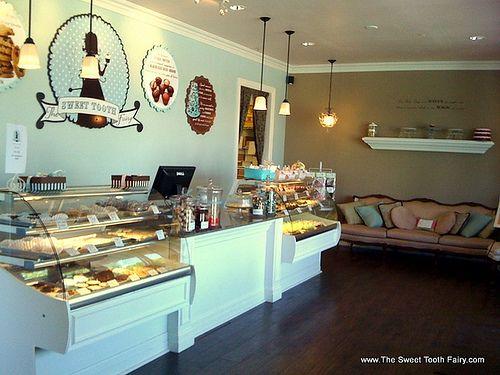 Best 25 Cake shop interior ideas on Pinterest Bakery