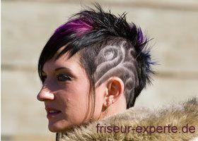 Iro Punky Kurzhaarschnitt Frauen Tattoo Einrasiert Tribal Haare