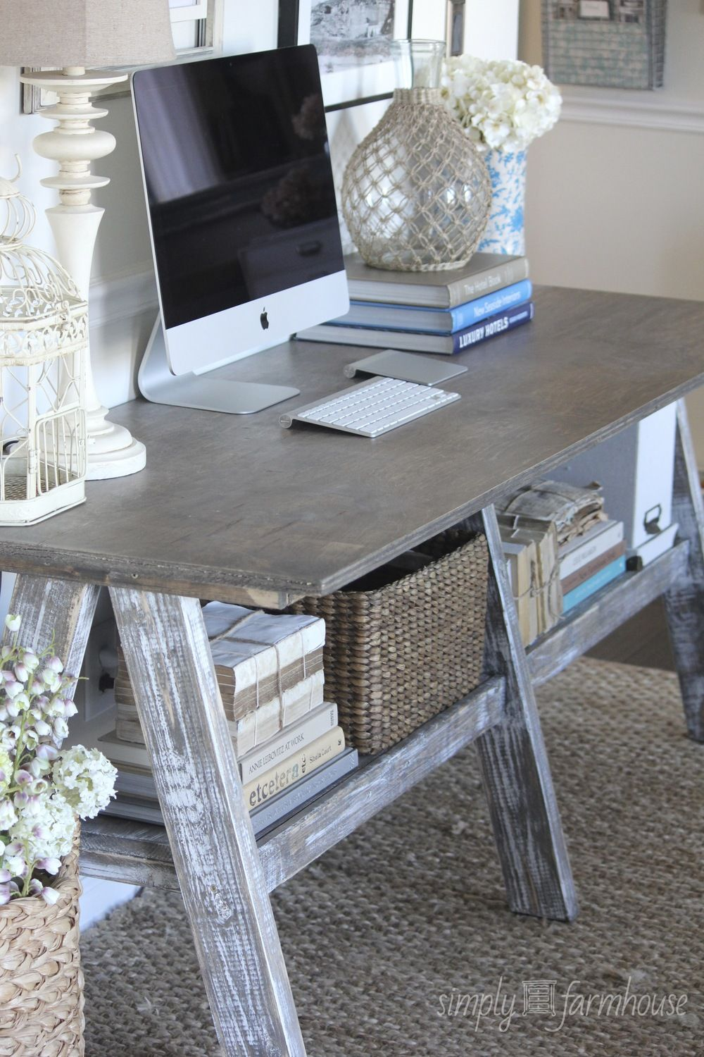 How to Buy the Perfect Home Computer Desk