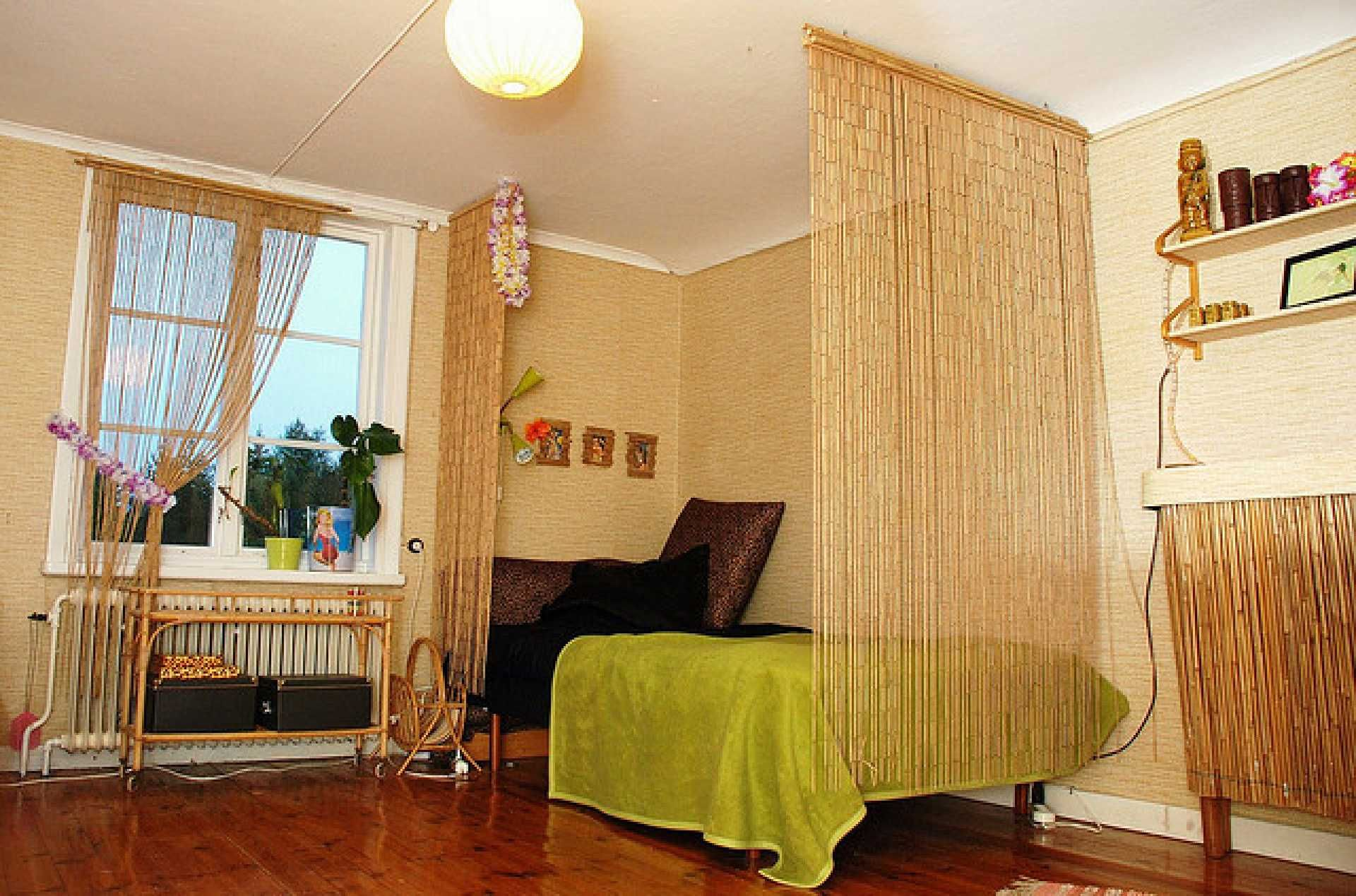 Bamboo Bedroom Interior Design And Some Modern Curtain Bamboo