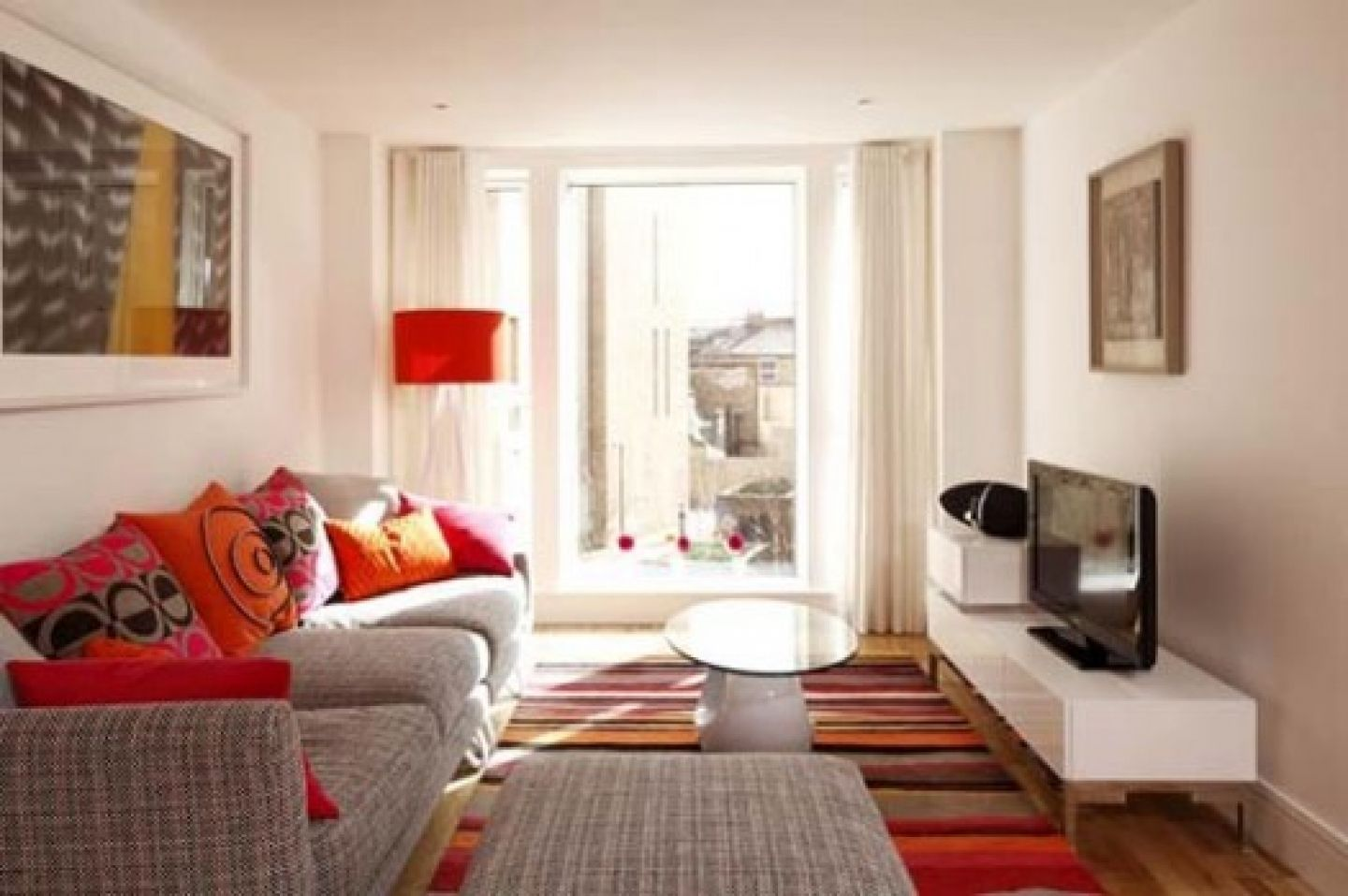 Small Apartments Living Room Design With Colourful Funky