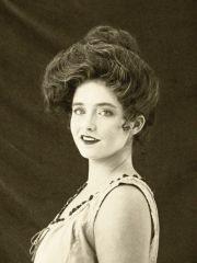 gibson girl hair. hair-tos