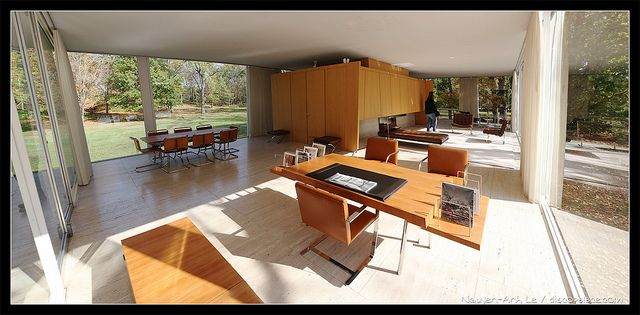 Inside Farnsworth House  Ludwig mies van der rohe and