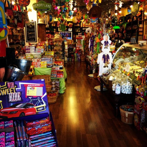 Powell' Amazing Candy Store. Play Willy