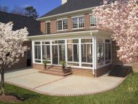 enclosed porch,outside view | Many people use sunrooms to ...