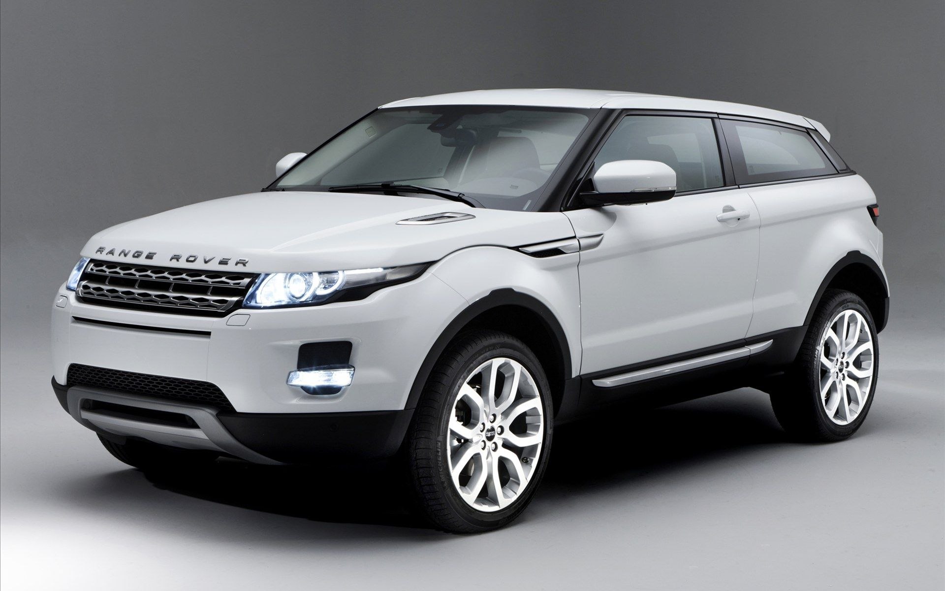 Range Rover Evoque Convertible Concept ruggedised practical and