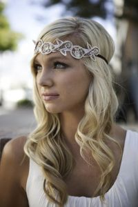 Hairstyles Using Headbands | Vintage Forehead Bridal ...