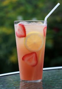 Strawberry Lemonade Moscato Wine