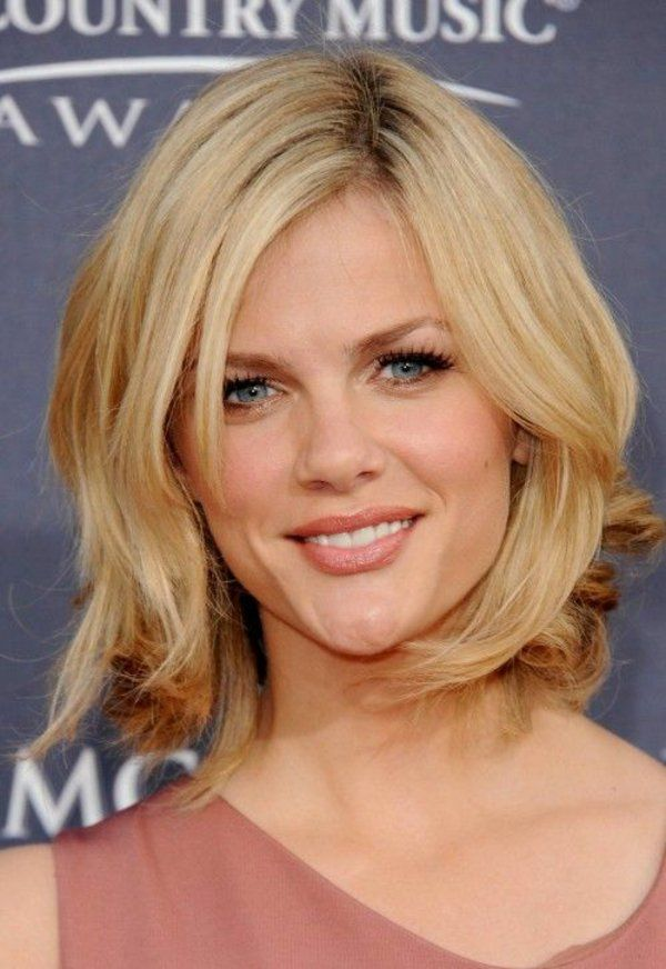 Frisuren Schulterlanges Haar Blond Stufig Haare Pinterest
