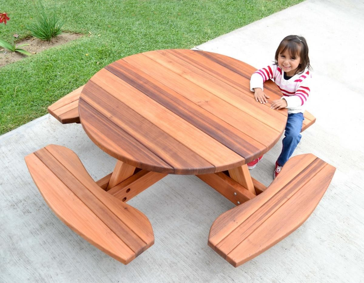 Kids Outdoor Table And Chairs Kid 39s Round Picnic Table Forever Redwood Keep Dreaming