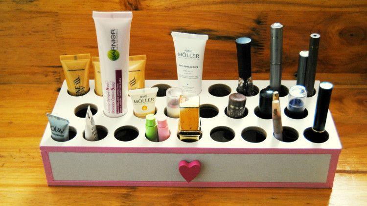 Muebles para guardar el maquillaje hechos a mano  muebles