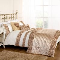 Roses DOUBLE DUVET SET GOLD | bedrooms | Pinterest ...