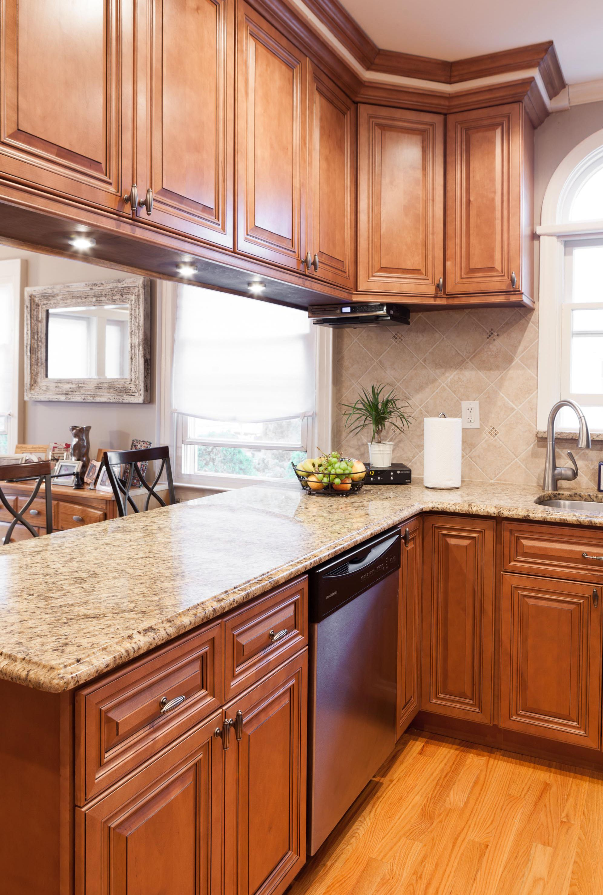 maple countertops kitchen rolling islands j andk traditional wood cabinets in cinnamon glaze