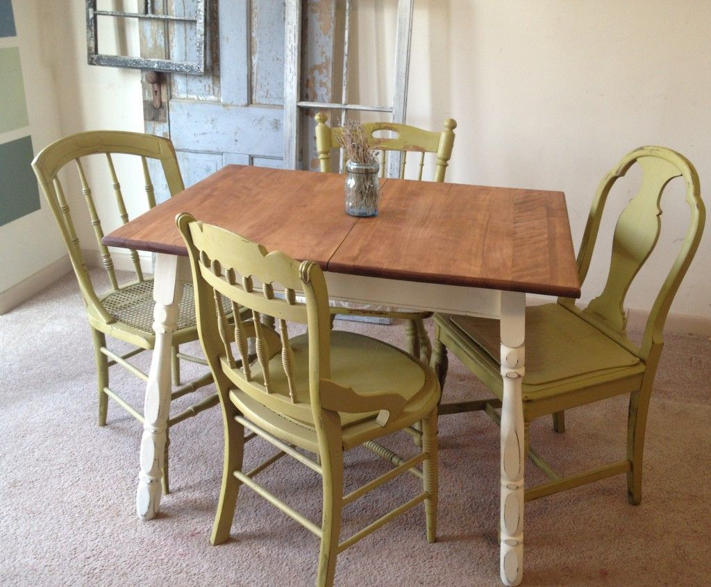 small country kitchen table set c1 1024x846 Vintage Small